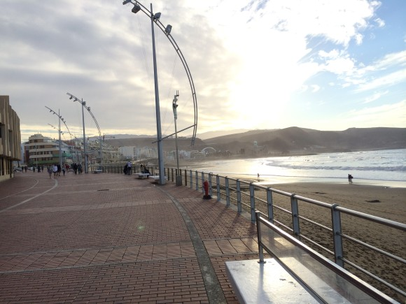 Strandpromenade von Las Palmas (2 Fußminuten vom Surf Office)